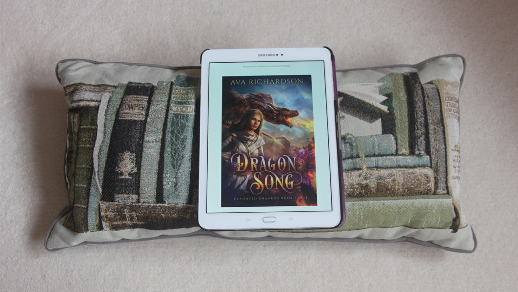 Book review: Dragon Song by Ava Richardson
