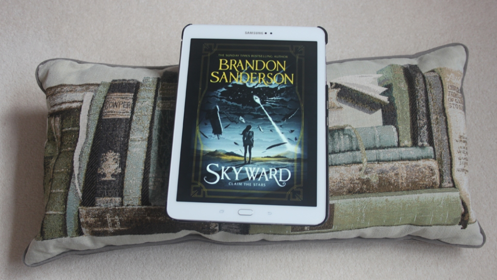 Book Review: Skyward by Brandon Sanderson